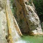 Wasserfall der versteinerten Bäume